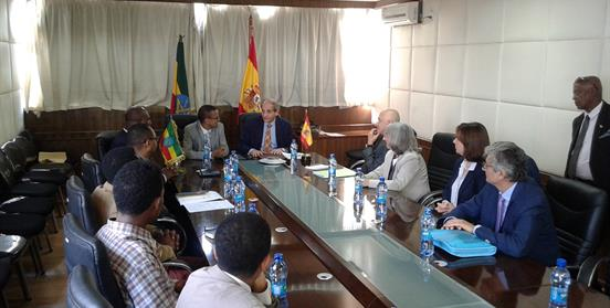 firma-memorando-colaboracion-formacion-medicina-españa-etiopia-aecid