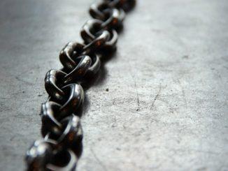 indonesia-cadenas-derechos-humanos
