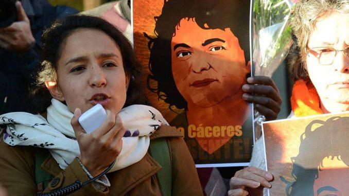 Manifestacion_ por_ la_ inclusión_ del_ medio_ ambiente_ climático_ como_ derecho_ humano_