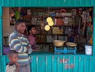 lámparas-solares-little-sun-proyecto-africa