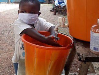 Sierra Leona lavado de manos niño