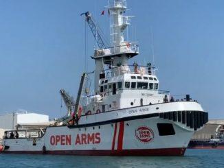 Open Arms rumbo al Mediterráneo