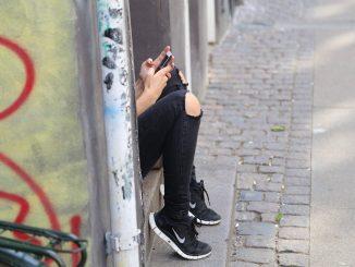 acoso online chicas adolescentes