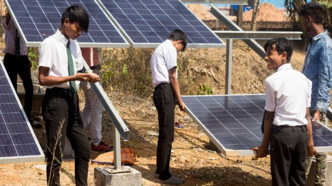 Formación en paneles solares en