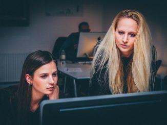 Mujeres liderazgo y emprendimiento en ESS