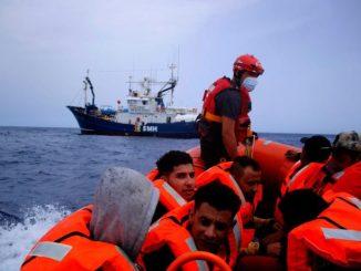 50 personas rescatadas por el Aita Mari