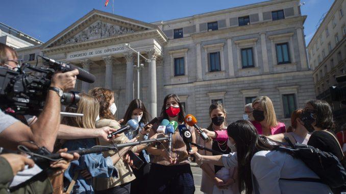 La portavoz de Save the Children, María Jesús Herrera, ante el Congreso de los Diputados. - Alberto Ortega - Europa Press